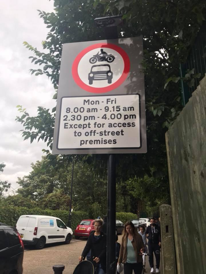 "test Twitter Media - Fantastic to see Enfield's very first (I believe) ""school street""! Traffic is banned during school run hours outside Oakthorpe Primary on Tile Kiln Lane N13. Much safer and less polluted for everyone. Thank you @CycleEnfield - hope to see this rolled out across the borough! https://t.co/O0ioxbhmCu"