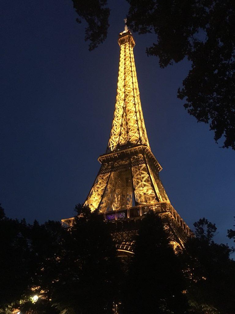 Day 1 in Paris! QhvcHb1TnZ
