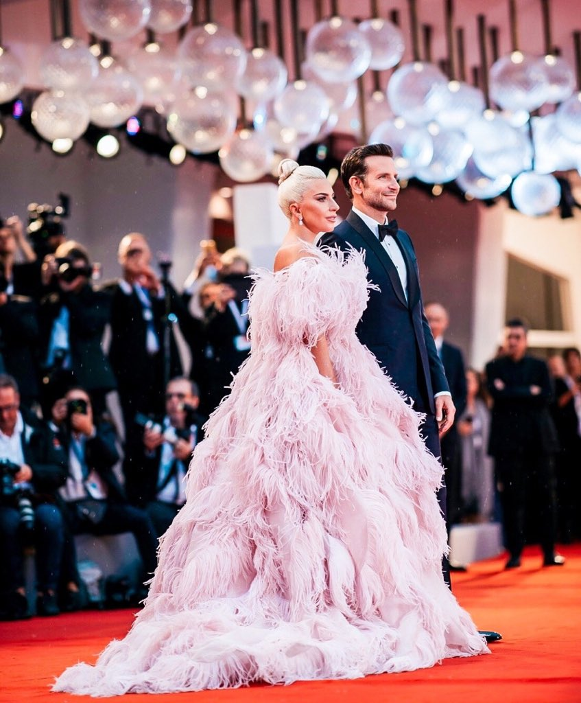 Still can\'t get over this look. Is this @LadyGaga\'s best red carpet ...