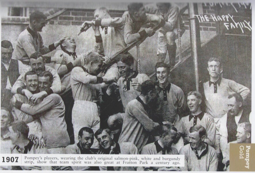 The #Pompey Happy Family  #PompeyHistory https://t.co/jsXVLXGumt