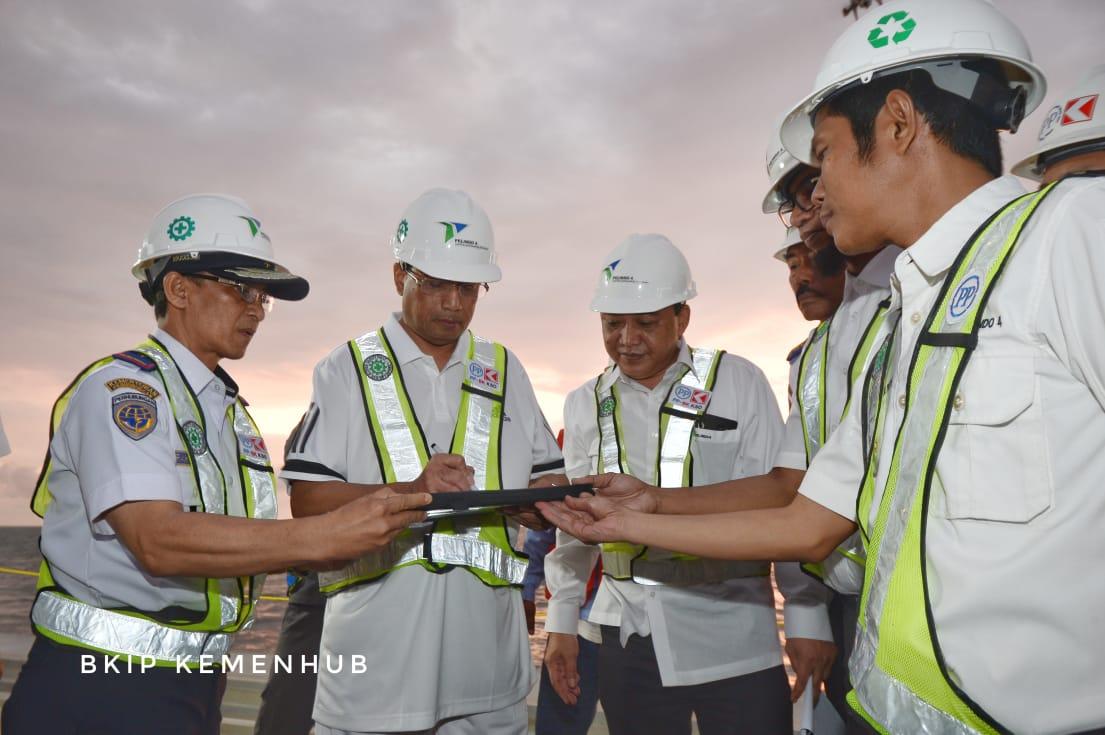 #BeritaKemenhub Makassar New Port Tingkatkan Efisiensi Arus Logistik https://t.co/jyrGrW4mjI https://t.co/JeedWfCaxN