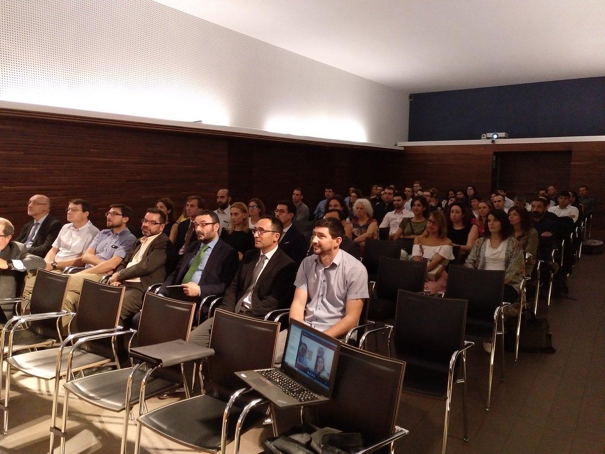 test Twitter Media - Avui hem celebrat la reunió corporativa amb la qual arranca la temporada 2018-19, a la seu d'@economistescat, i on s'han tractat l'evolució de la Firma i temes generals, seguits per Skype pels nostres companys de Madrid. Orgullosos del gran equip de persones que integren FC! https://t.co/I43Xkb2TvQ