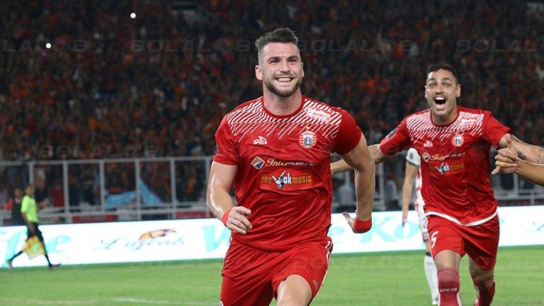 RT @Bolalob: Duel Persib vs Persija di Mata Marko Simic https://t.co/sQHhjHW9vK https://t.co/Lob9hBVhUi