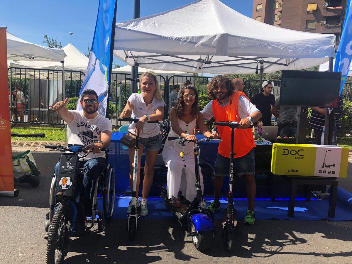Hoy en la semana de la movilidad y el #DiaSinCoche hemos estado apoyando a @cmarcen10 en su nuevo proyecto de venta de patinetes eléctricos e-scooter (e-tow) en cesareo alierta, podéis pasar hasta la tarde a probarlos.