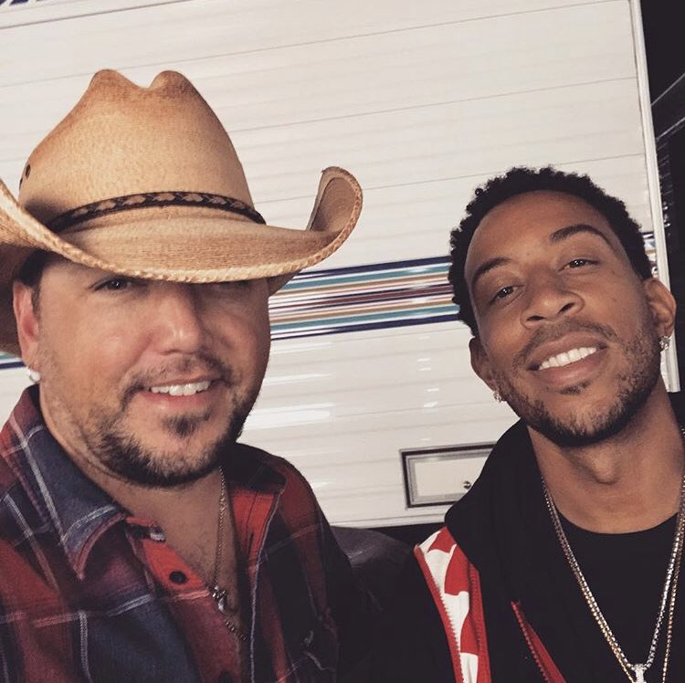 RT @Jason_Aldean: Good to catch up with my man @Ludacris last night at the @iHeartFestival #Luda https://t.co/eEuTUT3c8J