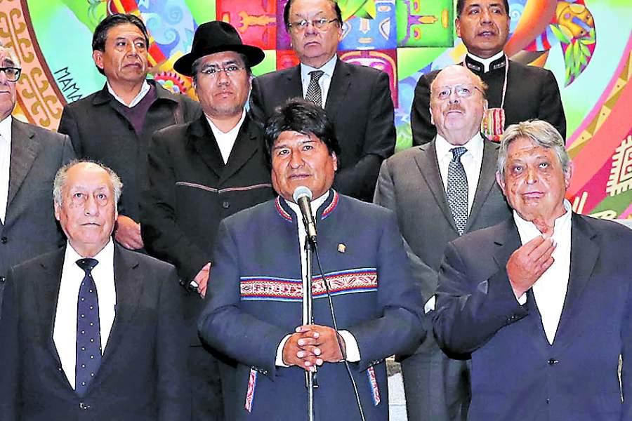 📰 REPORTAJES | La tensa reunión por La Haya entre Morales y los exmandatarios https://t.co/FHPoTq0784 https://t.co/bSnJJPdEue
