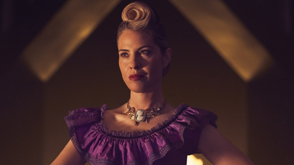 "AHSApocalypse's Leslie Grossman teases the ""layers"" of her character"