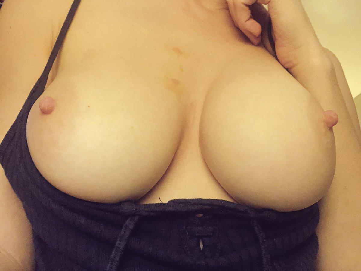Burnt my boobs shooting guns today- brass fell down my top. Lol😢🇺🇸 7IQmYVChmV