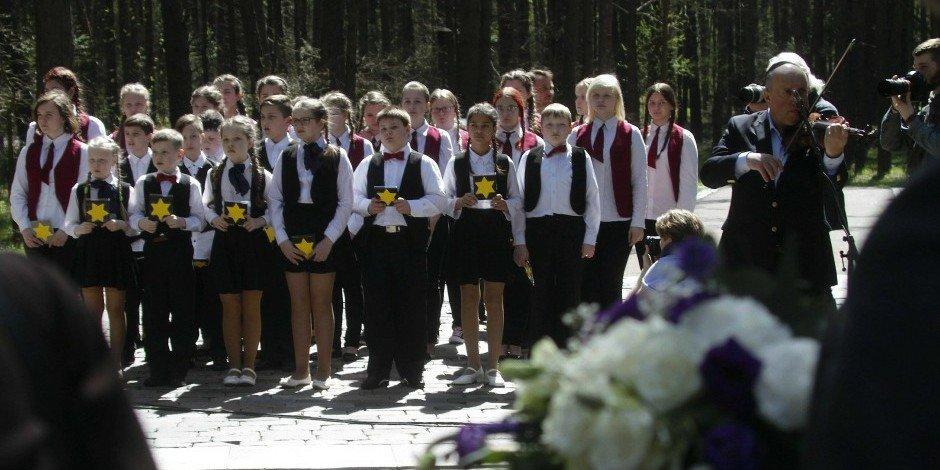 September 23  Holocaust Memorial Day (Lithuania) https://t.co/eqpCxXN8JK https://t.co/rhhLQZAQZ6