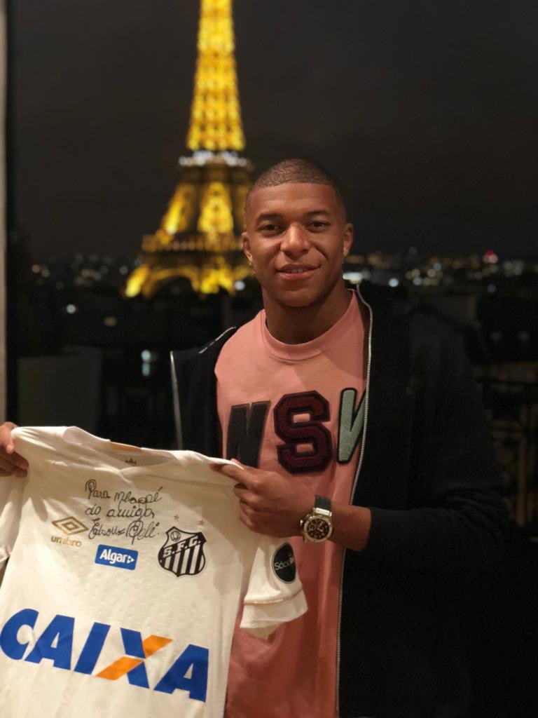 RT @KMbappe: Thanks for this amazing gift, King 👑 @Pele https://t.co/W1sNkXRbym