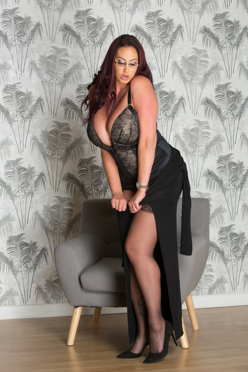 Why not catch me on tour this week in #scotland #escort the perfect naughty dinner date 90e7gVfRJ4