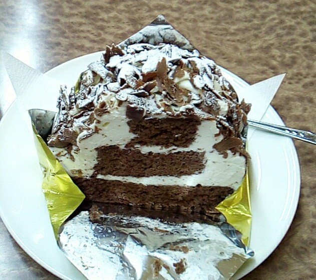 test ツイッターメディア - 小樽においでよ。 ケーキ屋さんで「モンブラン」を頼むと、高確率でこのタイプのケーキが出るよ。 栗は入っていないよ。 お店ごとの違いを楽しんでね。 画像は米華堂、あまとう、パールマリーブ、館ブランシェ。 #小樽 https://t.co/bxgl9ezKOB