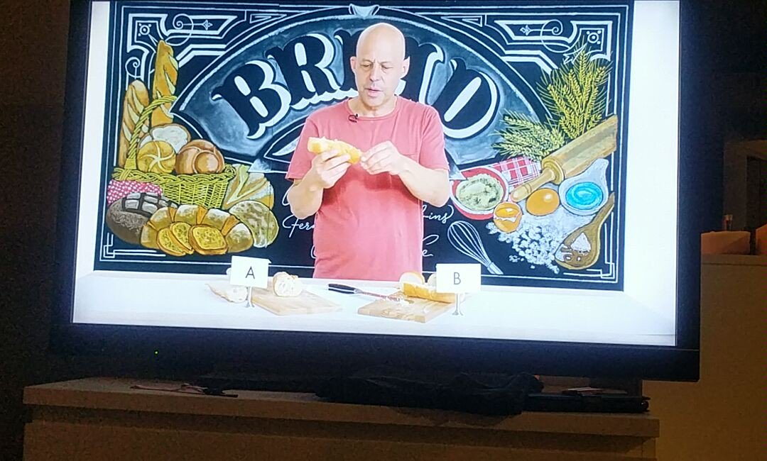 When I leave my playlist on autoplay it brings up 20min vids of dudes reviewing bread. 😶 Why