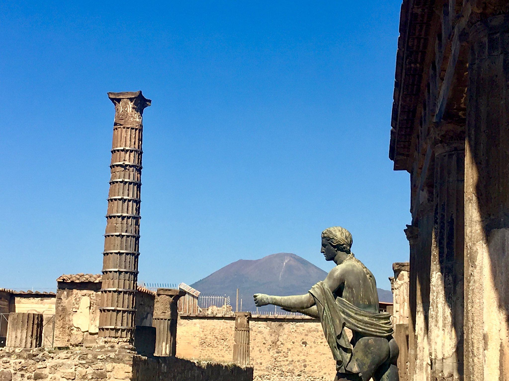 Odyssey Italy 2018, Pompeii was buried under meters of ash and pumice after the catastrophic eruption of Mount Vesuvius in 79 A.D. The preserved site features excavated ruins. https://t.co/djpXYc97kZ