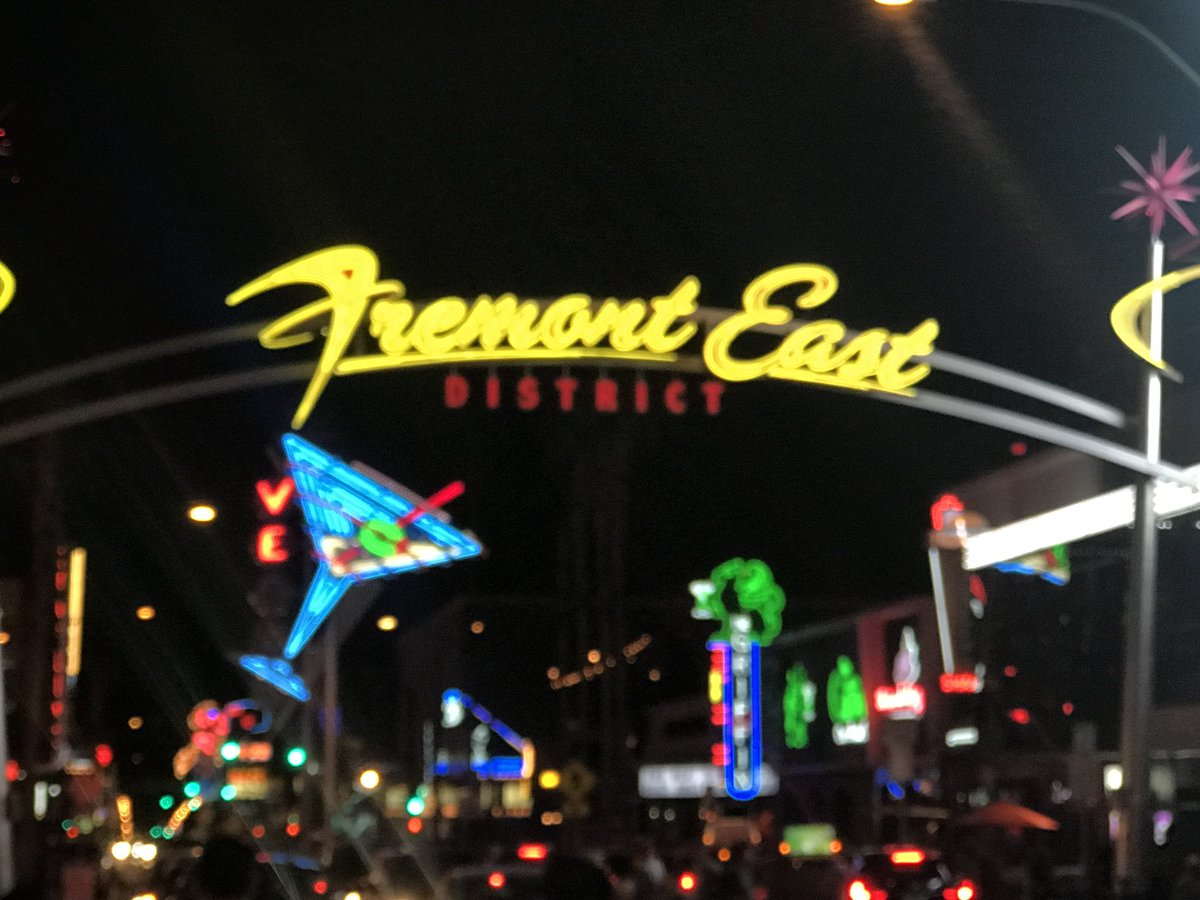 4 pic. Showing The #FremontStreet #Experience #LV