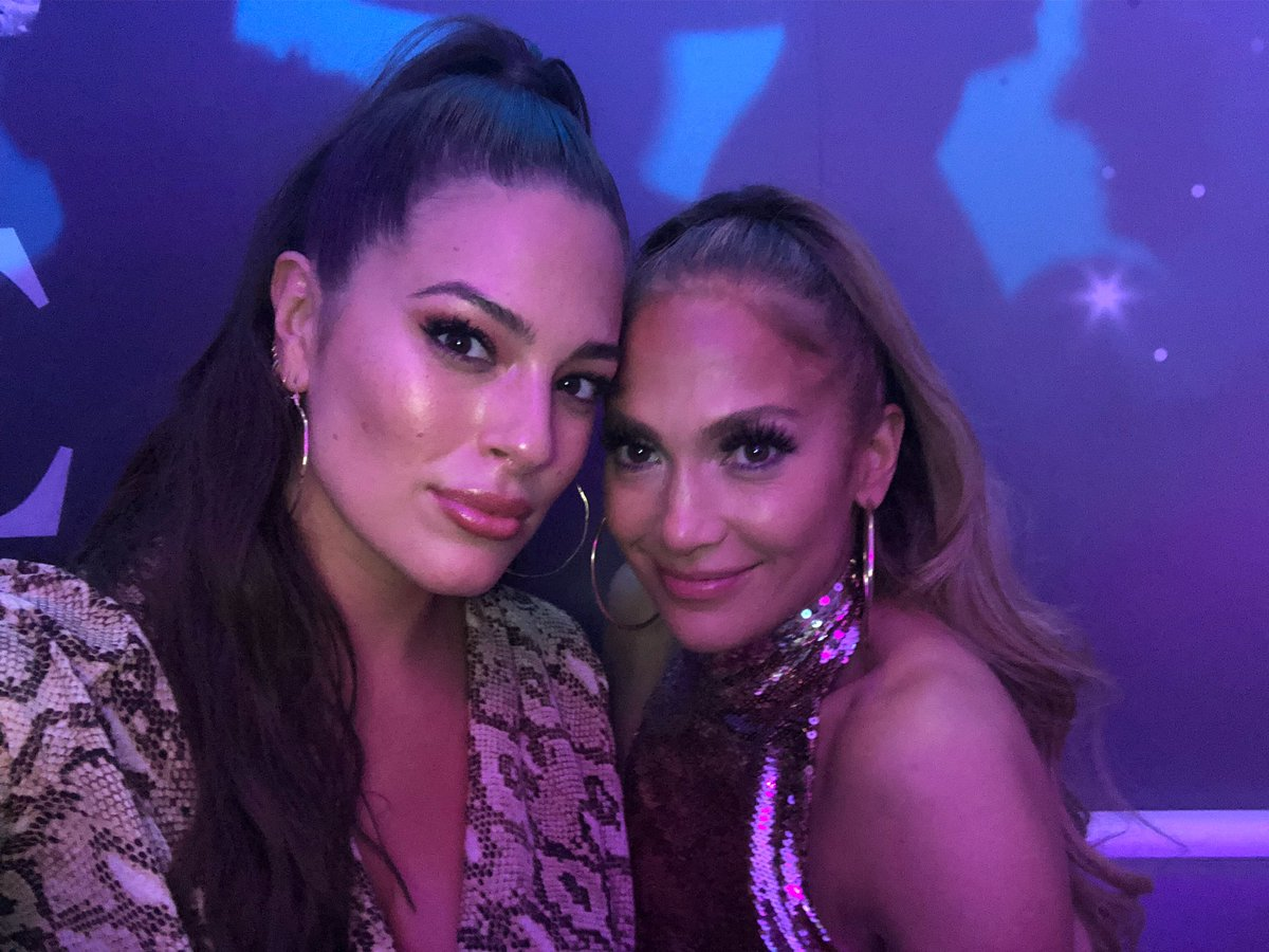 Got to meet The Queen The Legend My Curvy Sister after her epic last show in Vegas!???? @JLo #AllIHave https://t.co/38JkQwFTLD