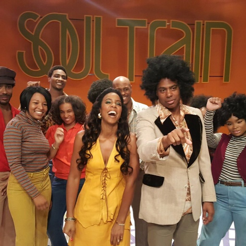 Love, peace, and soul! Catch us on @etnow with @KevinFrazier for a first look at #AmericanSoul tonight! https://t.co/HVTaM7G2E9