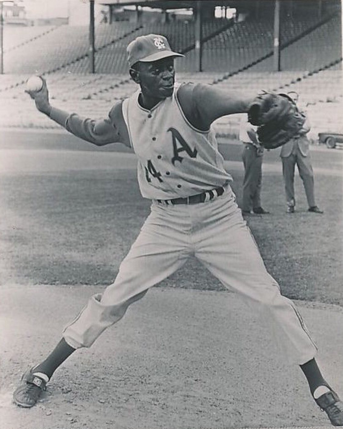 In 1965, 59-year-old Satchel Paige suits up for the A's and tosses three shutout innings. Because Satchel Paige. https://t.co/OoJ8QMbmAH