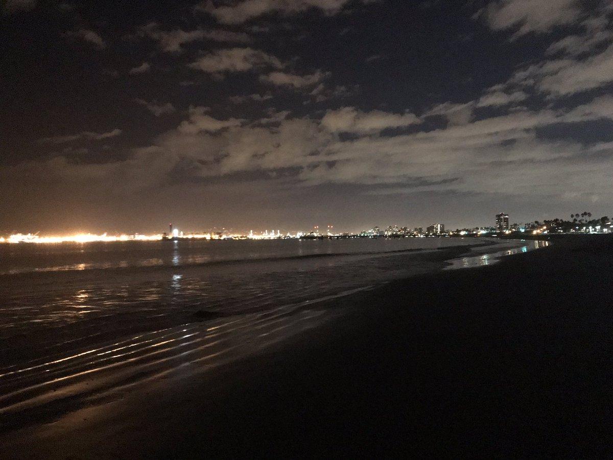 1 pic. Beautiful October night in #Long #Beach TulTBV16Ri