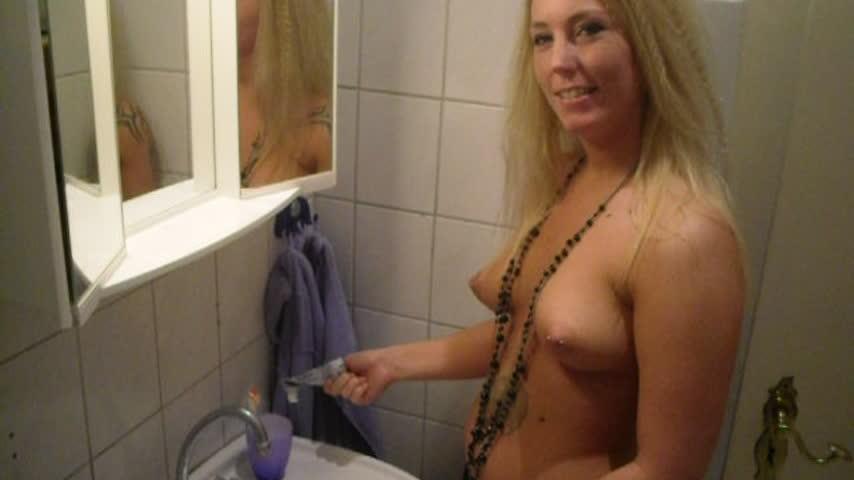 Brush my teeth my Sperm by SallySecret 4HBiFV5q2f Find it on #ManyVids! vs