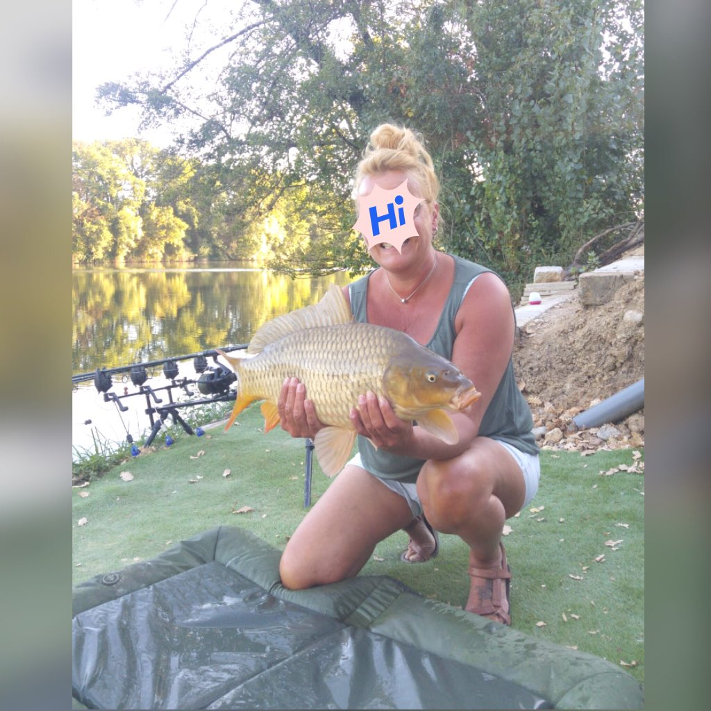 Me = happy! <b>😍</b> #carpfishing #ladyfisher #Tarn 🎣 https://t.co/KHXqrYsxzI