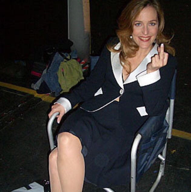 Some things never change. ???? #tbt (10 years ago on set of How to Lose Friends & Alienate People!) https://t.co/8JZfu8medL