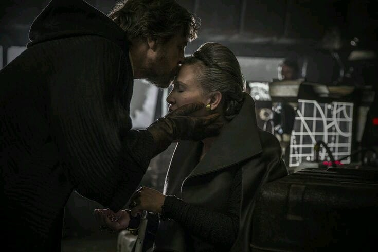 sweet memories beautiful and touching ❤️❤️ #spacetwinsforever #TheLastJedi @HamillHimself https://t.co/AjACeHMQ3K