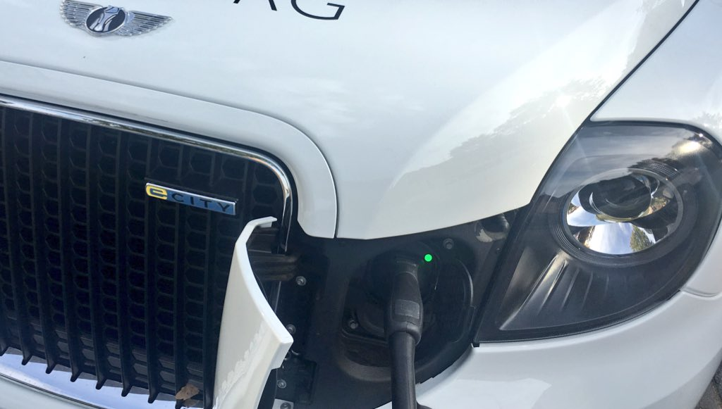 test Twitter Media - Hey @LondonEVCompany, what charging plug types do you support? #CCS? #CHAdeMO? #Type2? And what max kW power this great #EV accepts for each type? #eMobility #Taxi https://t.co/AiIeHnxkrM