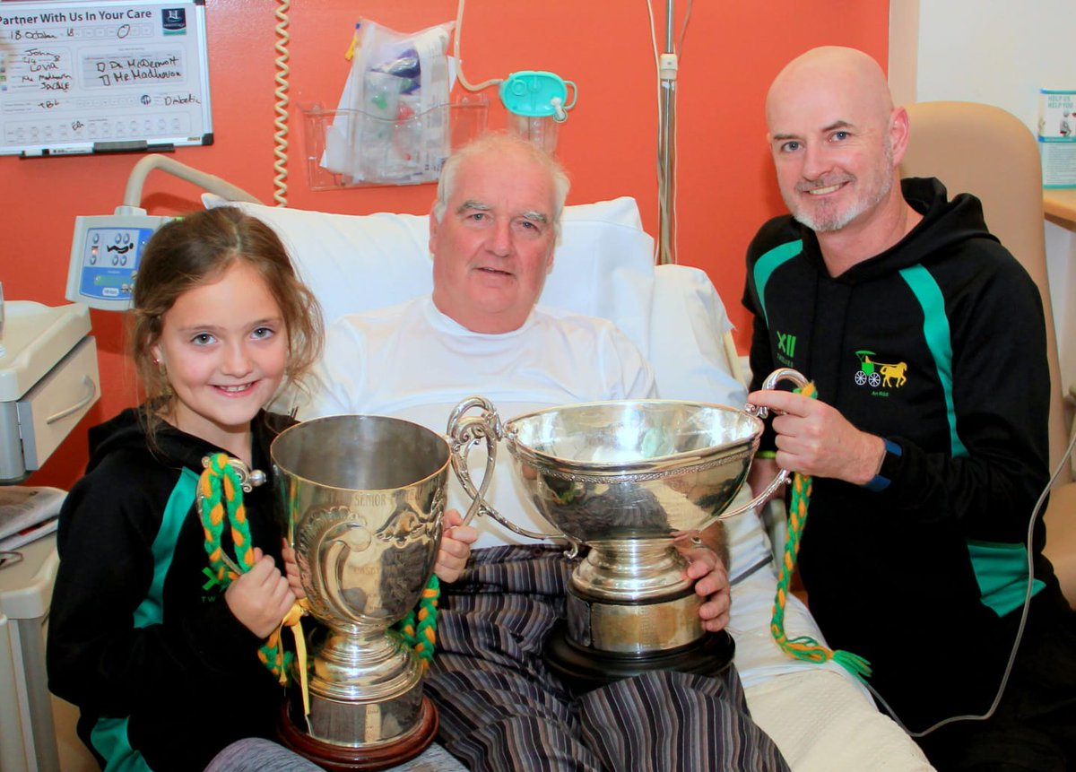 test Twitter Media - The Dowling & Casey Cups made a visit to the Hermitage Hospital tonight. We Hope to see john and Josie back  home very soon.  💚💛😊 https://t.co/qqnbmDZwce