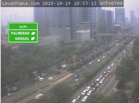 10:54 S.Parman dari Slipi menuju Simpang Tomang macet dikedua arah.  #JKTB (via H1) https://t.co/CHNzfdkFmZ