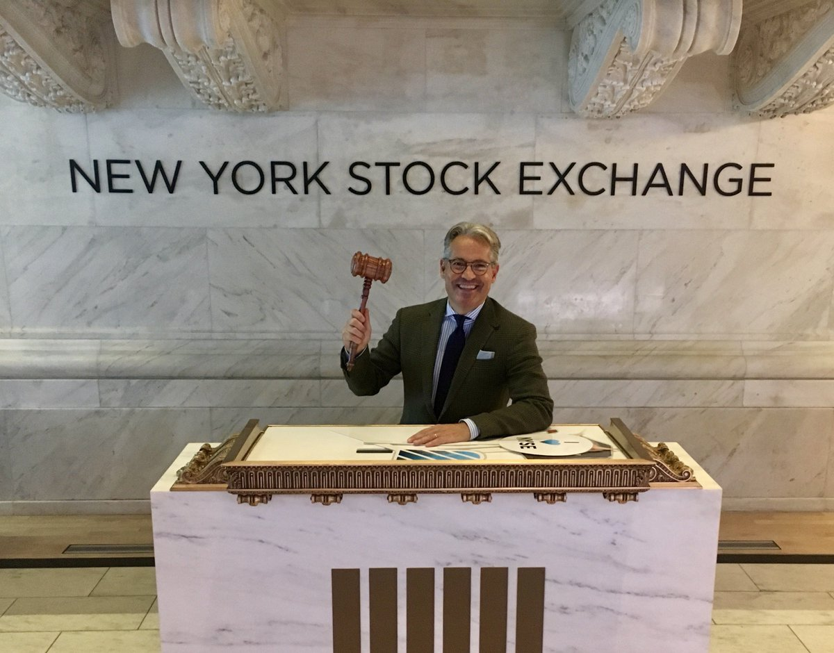 test Twitter Media - I'd never been to the New York Stock Exchange till tonight! And yes, I'm going public. https://t.co/frOI68ywfy