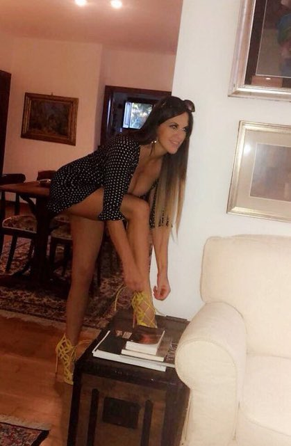 RT @ankurmittal124: Love ❤️ the angle addictive @ClaudiaRomani https://t.co/g7h1DX04DZ