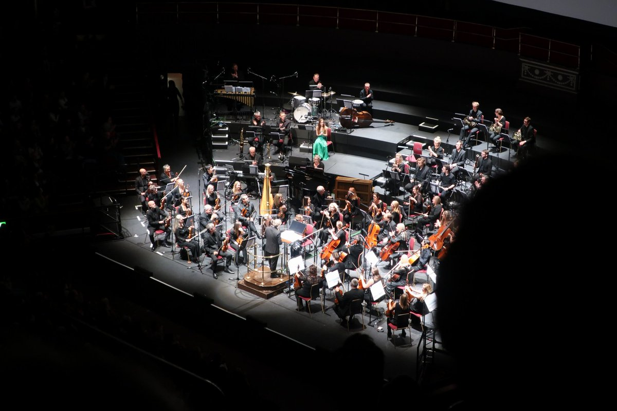 test Twitter Media - Last night at the @RoyalAlbertHall #TheEnglishPatient LIVE concert with the #RoyalPhilharmonicConcertOrchestra, conducted by #LudwigWicki, alongside vocal soloist #EleanorGrant. Just fabulous! https://t.co/jV0VNIjmag