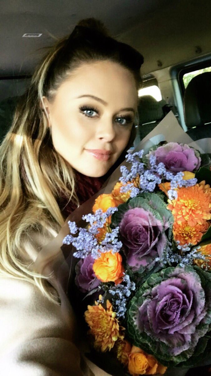 Showing these flowers off the whole way home pretending it's my birthday!😃 NJXExNgZBX