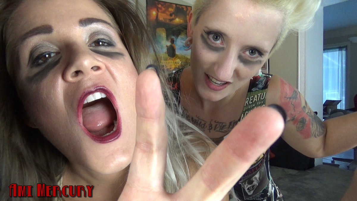 A still from the awesome zombie clip I'm about to post! #zombie #Halloween S3u0EarpGz