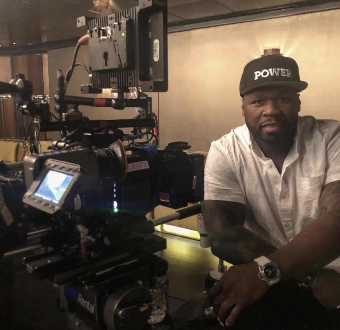 I'm on set working on my directorial debut episode 603 #bellator #lecheminduroi https://t.co/1E8Rmw8z3v