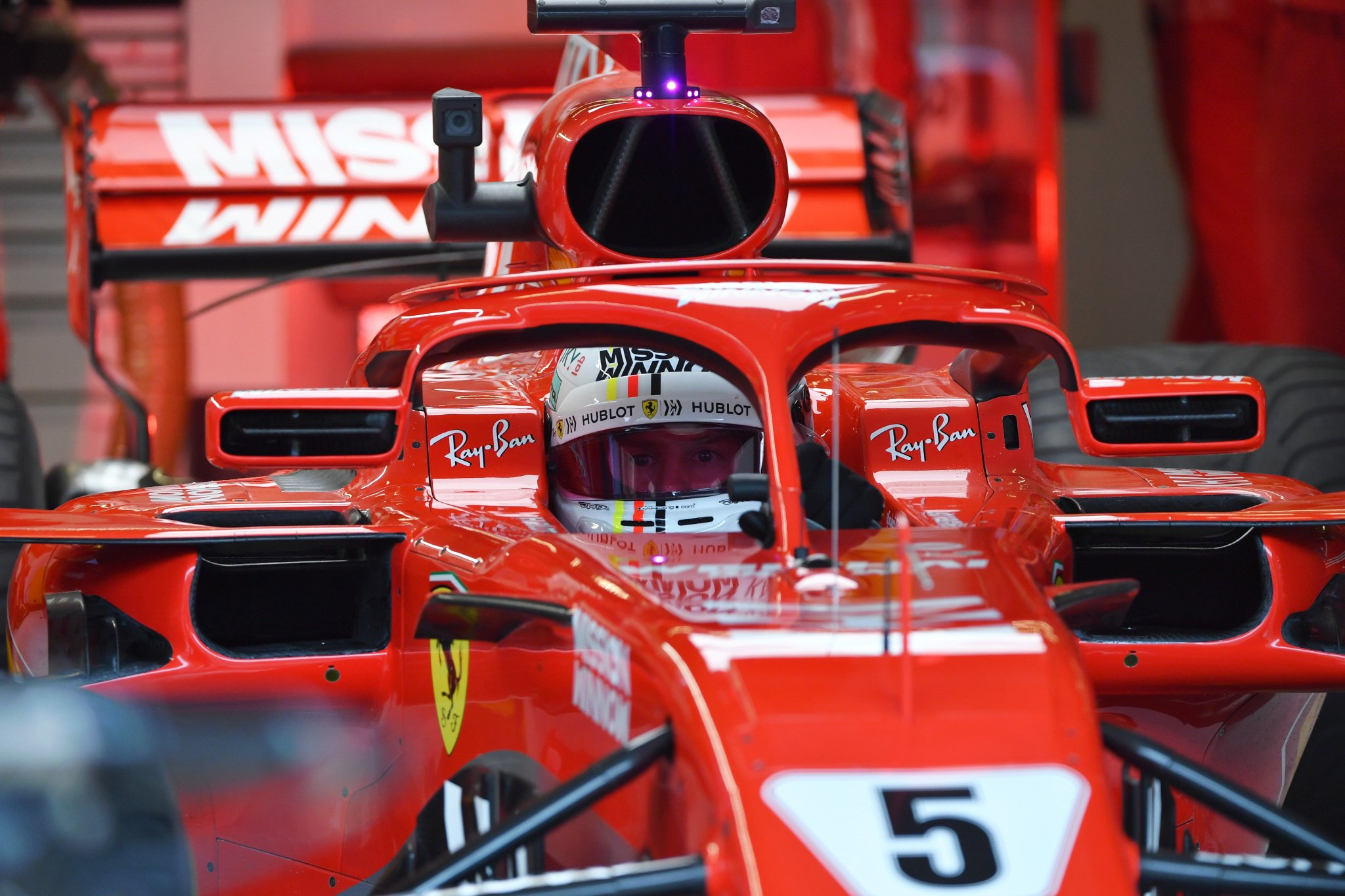 BREAKING: Sebastian Vettel has been handed a three-place grid penalty for 'not slowing sufficiently during a red flag period' during FP1 #USGP 🇺🇸 #F1 https://t.co/P9VIhvwy56