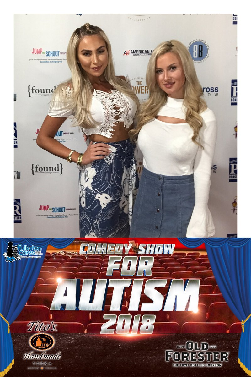 1 pic. Comedy Show for Autism 💙 RHwLkA7Ai1