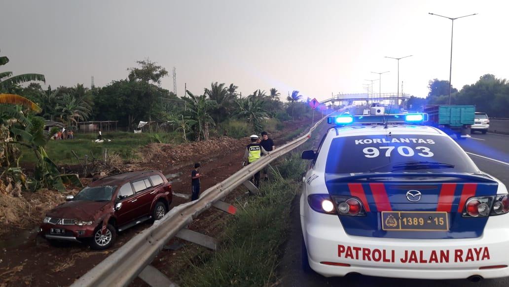 16.02 Wib Penanganan kecelakaan di ruas Tol BSD arah Serpong KM.08. https://t.co/QnmTv4pBa6