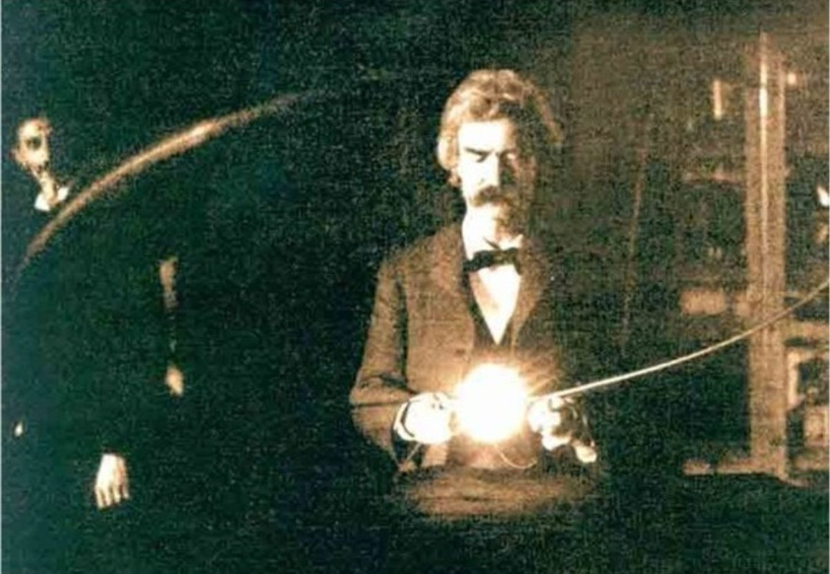 Mark Twain hanging out with Nikola Tesla.  Real magic power. https://t.co/yIbEcYhwnD
