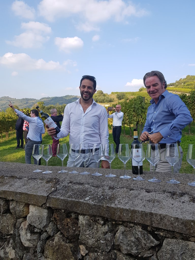 Fed @fedelillo & Daniel  @darkwinematters in the #Soave vineyards life's tough (@LynneCoyleMW) https://t.co/idYek2W6g7