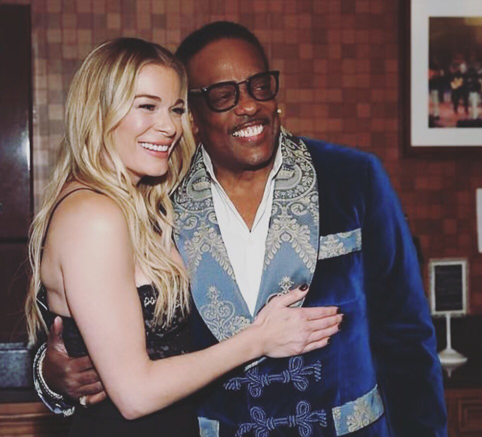The man, the myth... Uncle Charlie! He's THE BEST! @ImCharlieWilson @opry #bestduetpartnerever https://t.co/6h8QOd1o5K