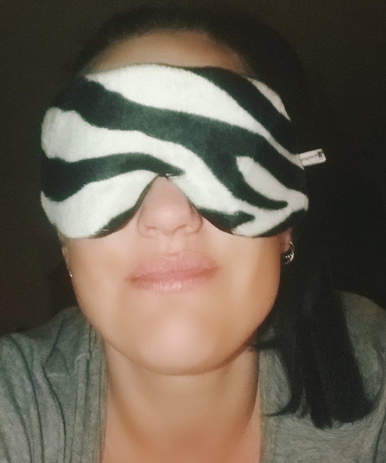 My #velvet #sleep #mask, arrived today. #zebra print is the new #leopard print! 0uthXkm