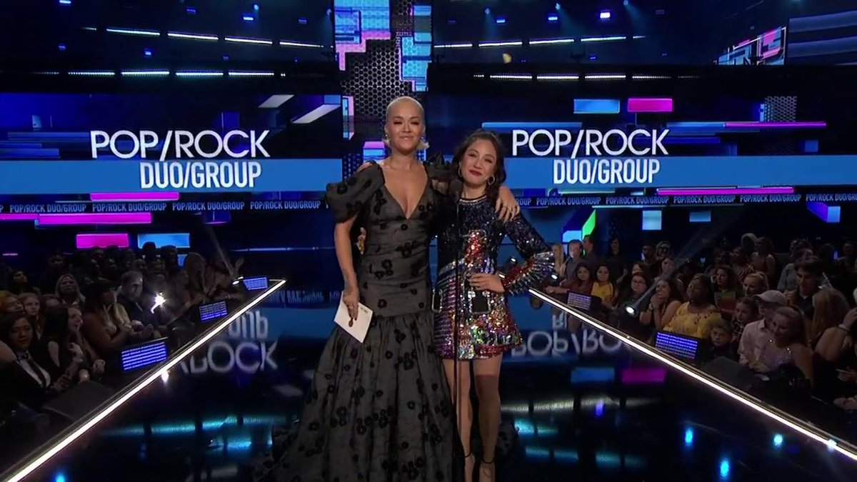 RT @AMAs: .@RitaOra and @ConstanceWu are here to present the #AMAs for Favorite Duo or Group - Pop/Rock! https://t.co/n8Y990HnE9