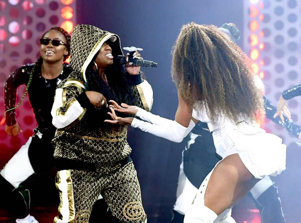 Ciara and Missy Elliot's AMAs performance was supersonic, hypnotic, funky fresh.