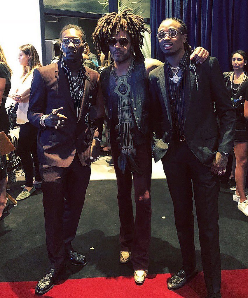 Backstage at the #AMAS with @OffsetYRN and @QuavoStuntin. https://t.co/3ejHQfKQeS