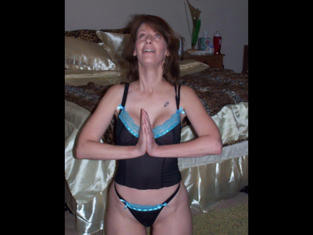 Get kinky with a horny mature! n2o2y2yT9d HBG0Ufsz5o