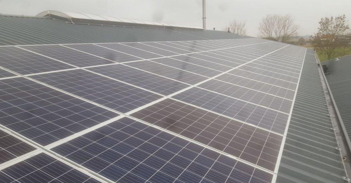 test Twitter Media - Bij het waterschap zijn we iedere dag bezig met het ontwikkelen van duurzame ideeën. Wist je dat al onze kantoren worden voorzien van zonnepanelen en gebruikmaken van de opgewekte energie? #dagvandeduurzaamheid 📖https://t.co/XmL1j7TZlE https://t.co/N7GiUUMUYm