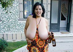 38K #bigtits Beer Run see more at eWqUgTeoRV SEpc5rRhA3