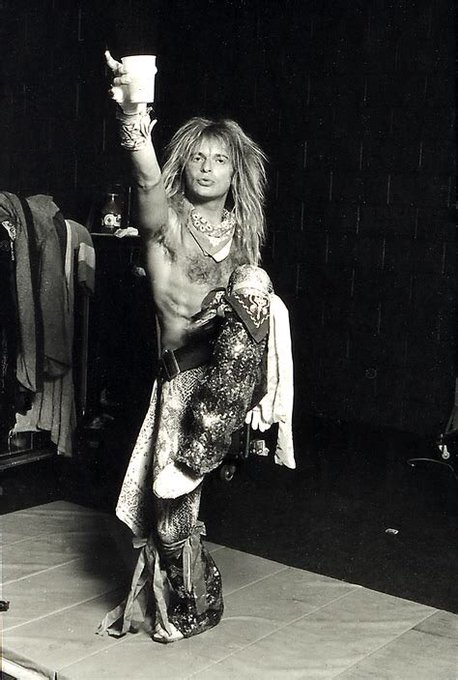 Happy 64th birthday to the legend, David Lee Roth. Cheers!
